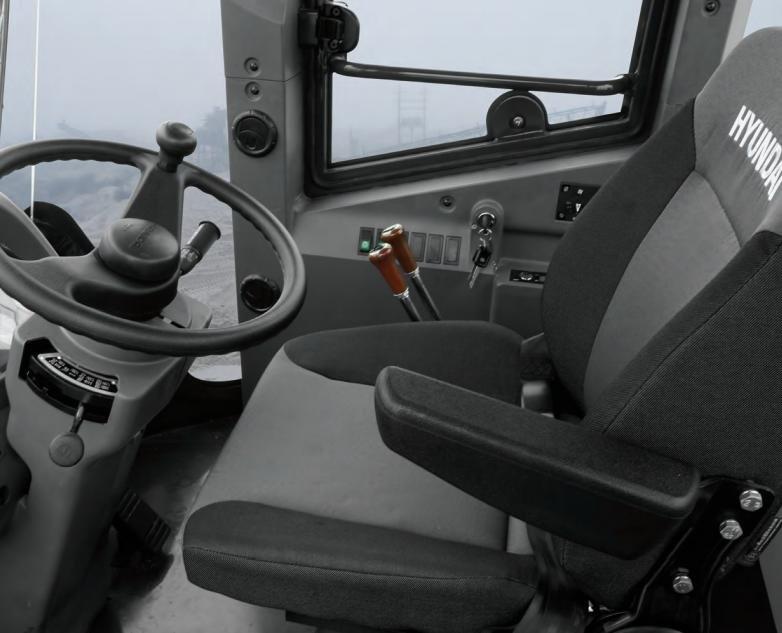 Фото №3:Фронтальный погрузчик Hyundai HSD SL733S