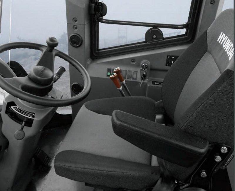 Фото №6:Фронтальный погрузчик Hyundai HSD SL763S